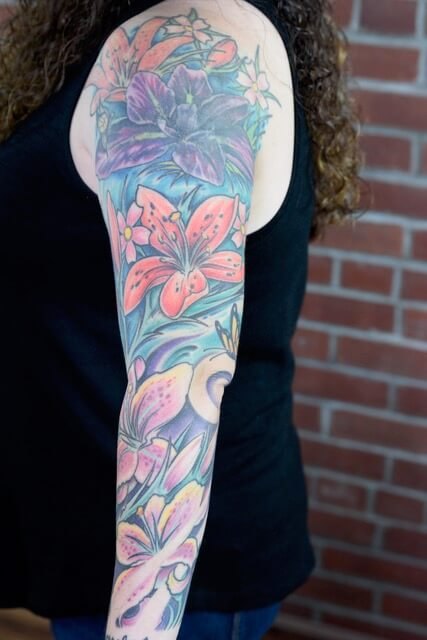 Floral lily color sleeve